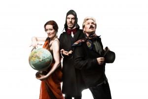 hej opera trio med glob vit bakgrund Foto Harald Nilsson